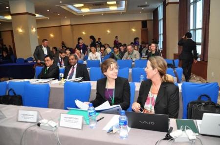 """""""Монгол Улс дахь Уул уурхайн бизнес ба хүний эрх"""" Олон улсын хурал 2012.10.10-11"""