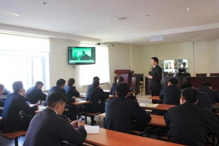Цагдаагийн албан хаагчдад зориулан Хүний эрхийн сургалт явууллаа. 2012.10.22