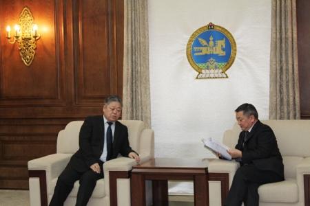 """""""Монгол Улс дахь хүний эрх, эрх чөлөөний байдлын талаарх 14 дэх илтгэл""""-ийг өргөн  барилаа"""